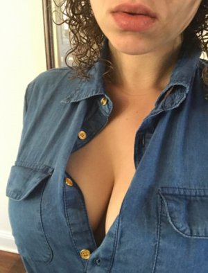 Claudiane independent escort