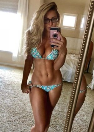 Hanann live escort in Carolina