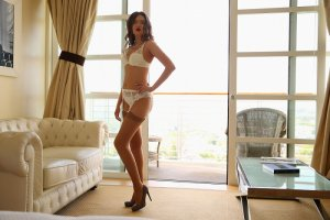 Gine escort girl in Tracy