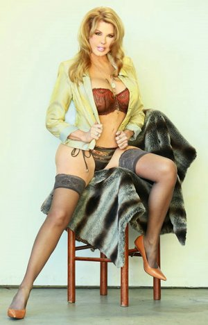 Anne-christine escort girl
